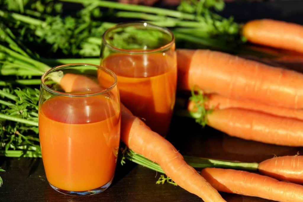 carrot-juice-in-cup