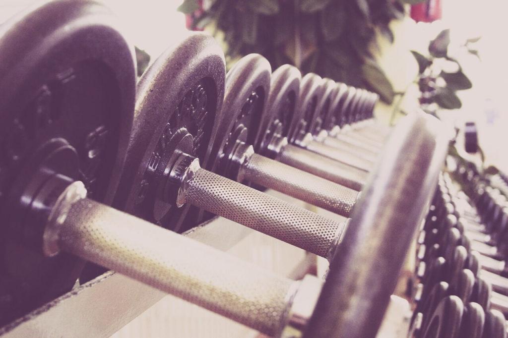 fitness-dumbells